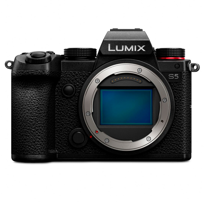 An image of the Panasonic Lumix S5 best camera for portraits
