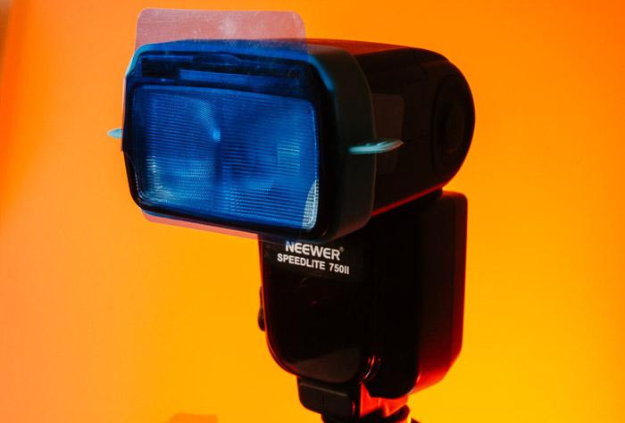 blue colour gel lighting on a neewer 750II speedlight