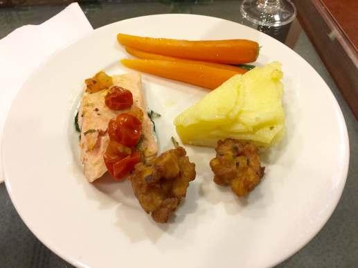 Emirates Lounge AKL food 3
