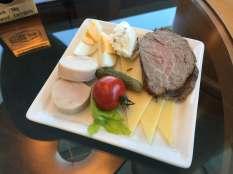 Emirates Lounge BNE breakfast