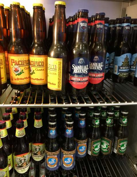 AA-Flagship-Lounge-beers-round-world-trip