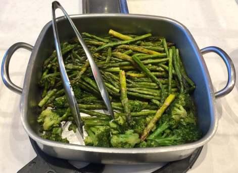AA-Flagship-Lounge-buffet-broccoli-round-world-trip