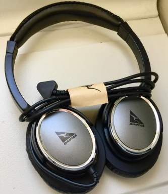 Headphones-Qantas-747-Business-round-world-trip