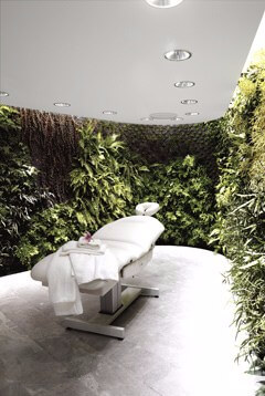 qantas-first-lounge-spa