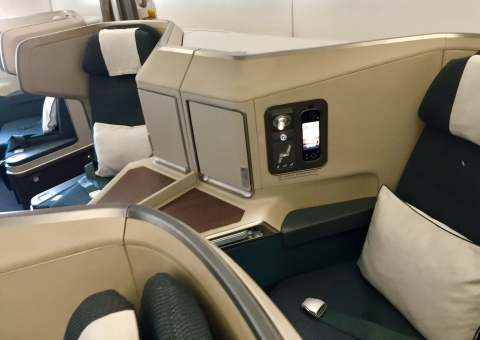 Cathay-Pacific-Business-Class-couple-seats-round-world-trip