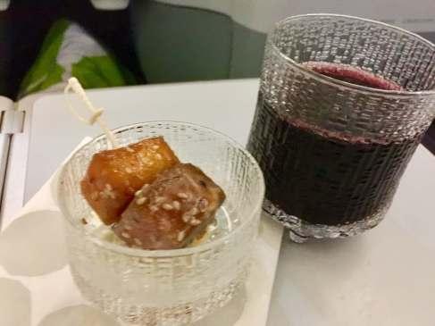 Finnair-A330-JFK-HEL-teriyaki-beef-red-wine-round-world-trip