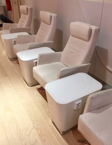 Finnair-Premium-Lounge-seats-with-power-round-world-trip