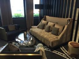 Juliana-Hotel-Paris-lobby-bar-lounge-round-world-trip