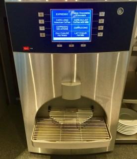 Sheltair-Lounge-ParisCDG-coffee-machine-round-world-trip