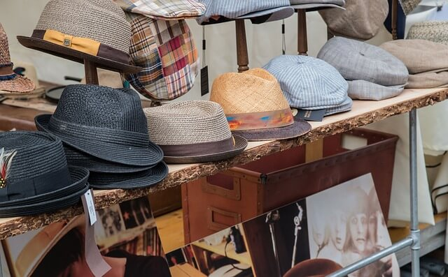 ultimate-packing-list-spring-europe-hats