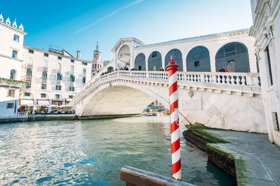 Venice's Beautiful Rialto Bridge