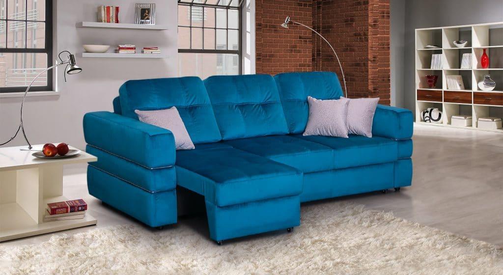 Яркий,насыщеный цвет дивана