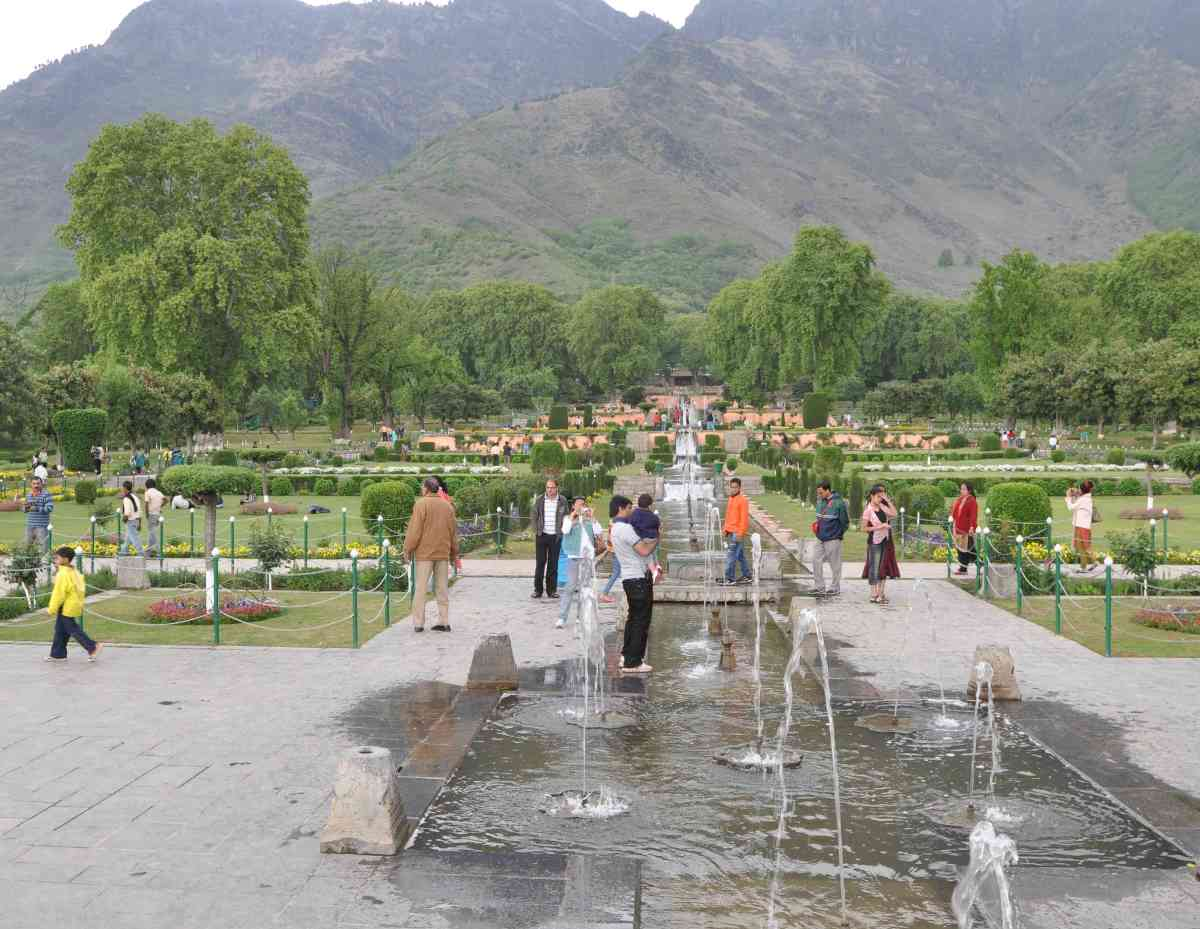 Rediscovering the Mughal Gardens of Kashmir (Full Article)