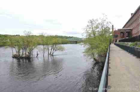 The promenades along the Merrimack River and the Boot Mills (Source: Jan Haenraets).