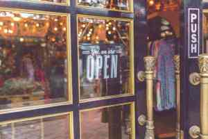 Immersive Retail Experiences That Will Keep Shoppers In Your Store