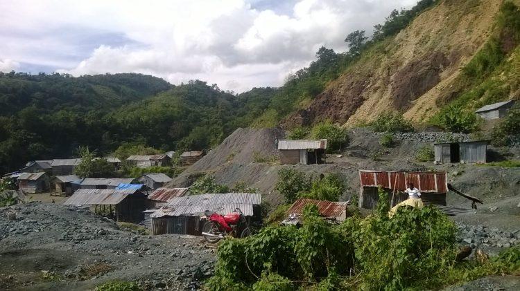 Larimar mining community