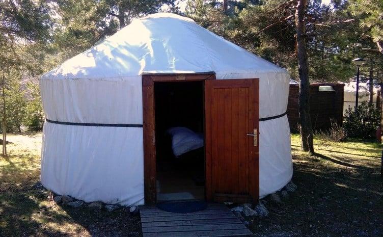 Yurt, tenda mongol no Parque de Campismo do Vale do Rossim