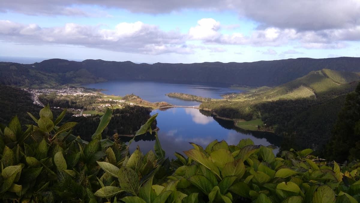 Vista do Rei para a Lagoa das Sete Cidades, na ilha de S. Miguel, Açores