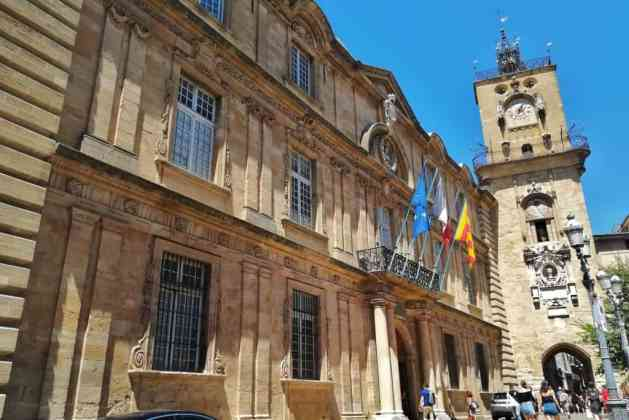 Hôtel de Ville e Tour de l'Horloge