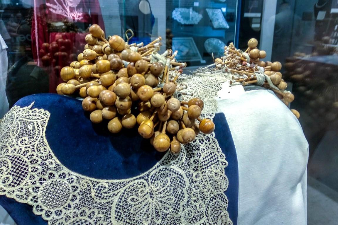 Renda em exposição no Museu da Renda de Bilros de Peniche
