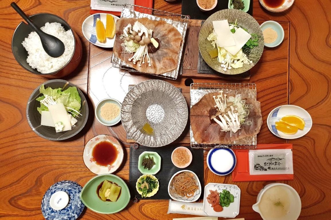 Mix Shojin Ryori, diversos pratos de comida de devoção budista, no Japão. Fotografia de João Leitão