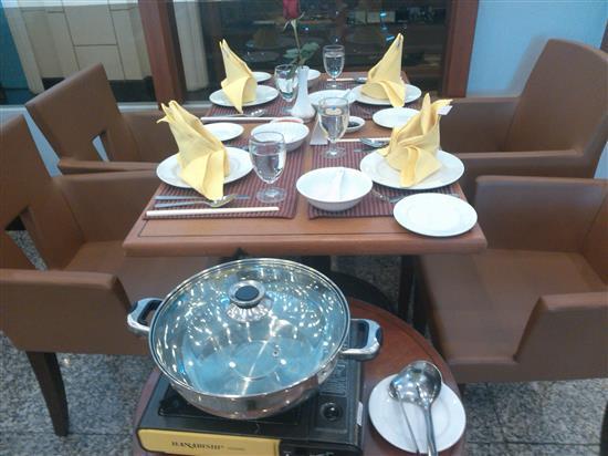 meja khas untuk 4 orang di Cafe Borak-Borak