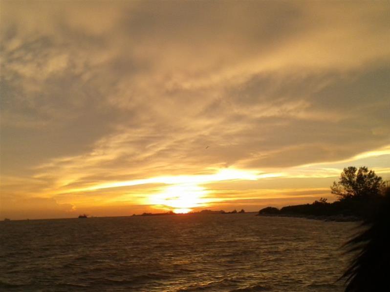 matahari terbenam 2