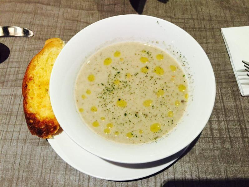 mushroom soup and bread