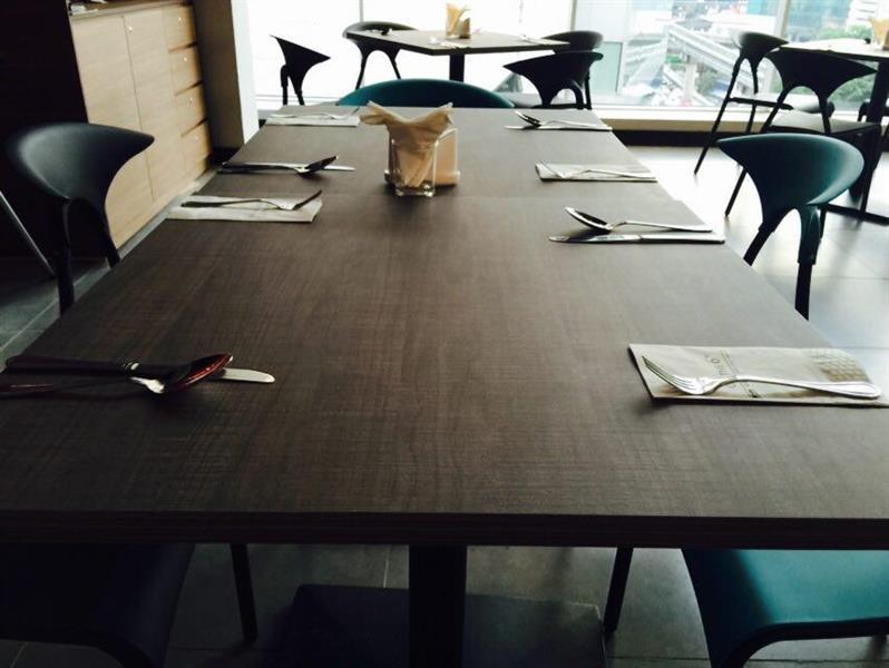 restoran divine - meja makan