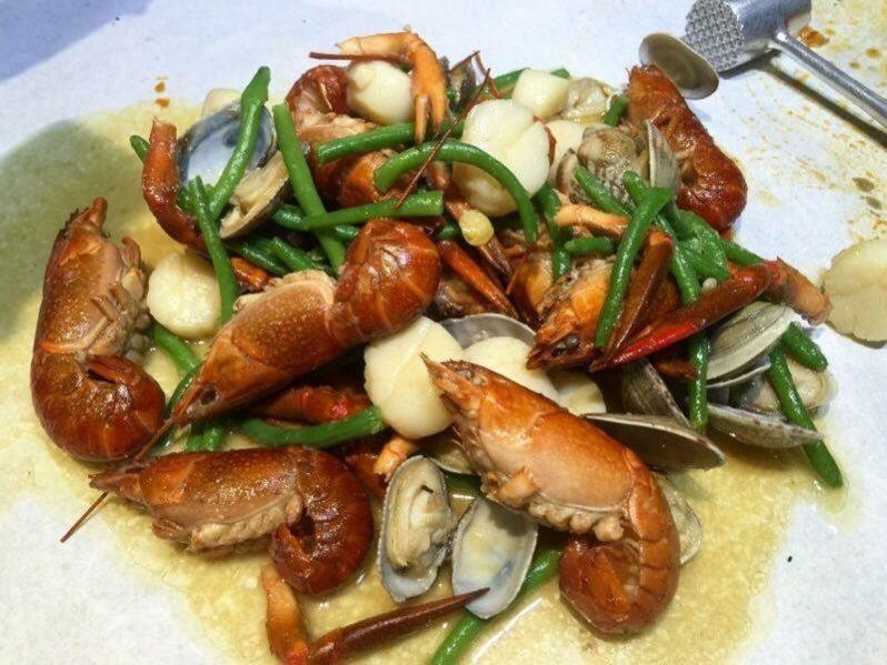 Seafood Bag – Yabbies (Lobster kecil), Scallops (Kekapis), Japanese Hamaguri Clams dan Kacang Panjang. Combo ni.. scallops yang digunakan memang terbaik dari ladang. Marvellous!! – RM175.90