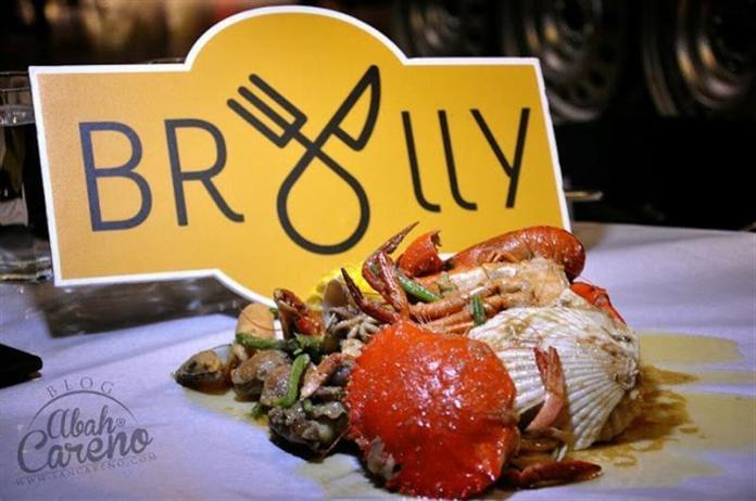 kenangan makan di Brolly