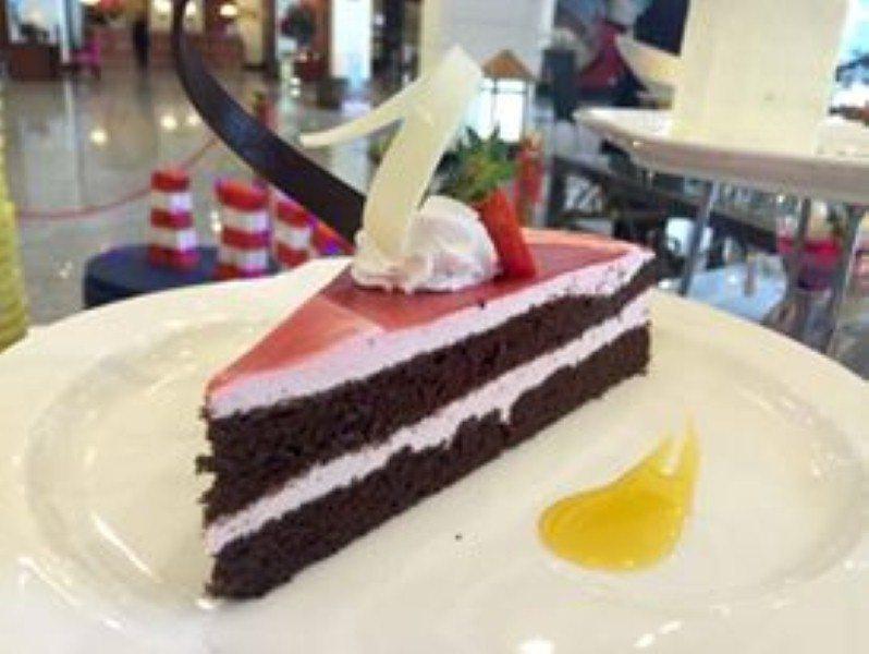 promosi-har-merdeka-grand bluewave-hotel-dessert-5