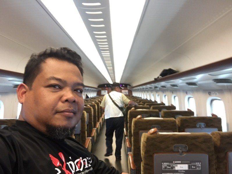 "teringat cerita movie ""Train to Busan"" hehehe"