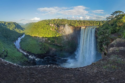 Kaieteur Falls, Guyana – Ultimate Guide To Visiting It Independantly