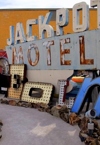 jackpot.hotel.neon.museum