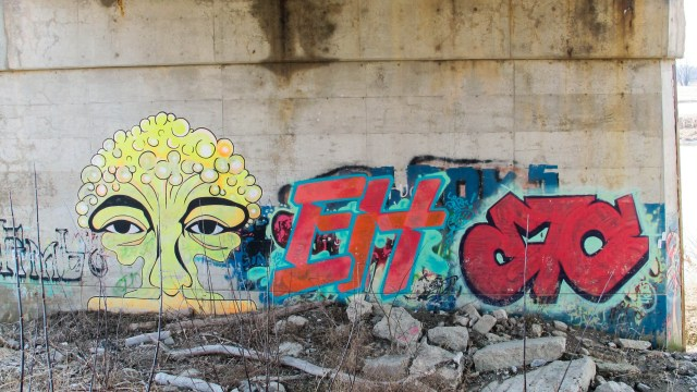 Thames Valley Trail graffiti