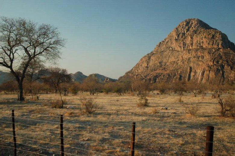Tsodilo Hills Botswana - ExplorationVacation - 09-15_10-53-04 male hill