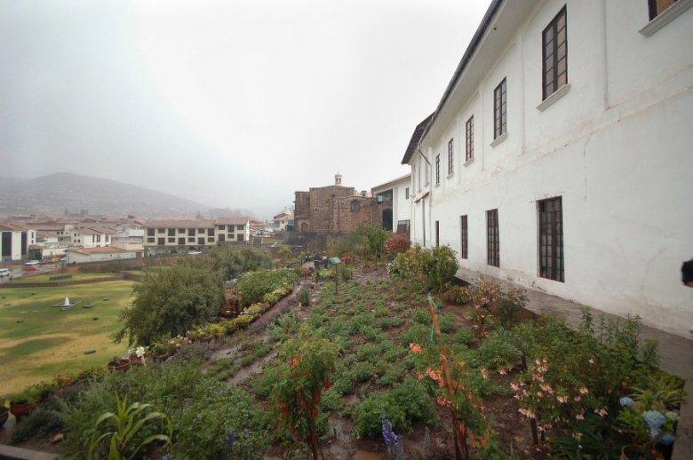 Cuzco Peru - ExplorationVacation 2005-12-28_14_39_22%20view%20from%20bathroom%20door