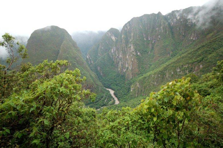 Machu Picchu Peru - ExplorationVacation 2005-12-30_14_58_37