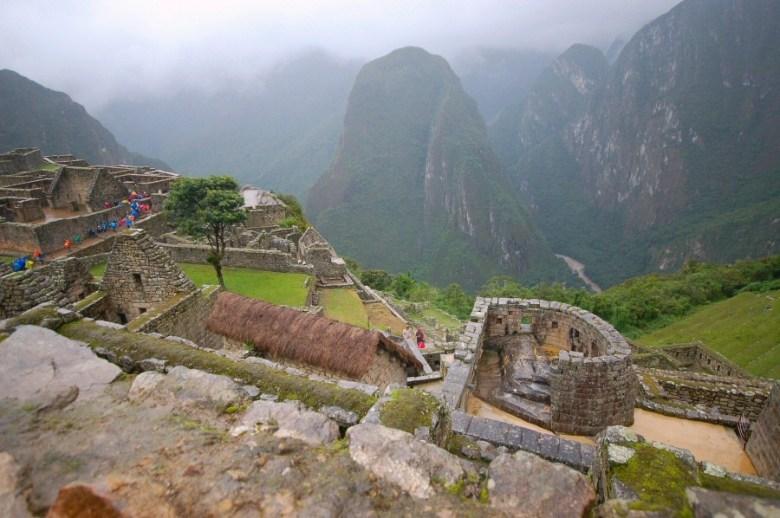 Machu Picchu Peru - ExplorationVacation 2005-12-30_15_47_13