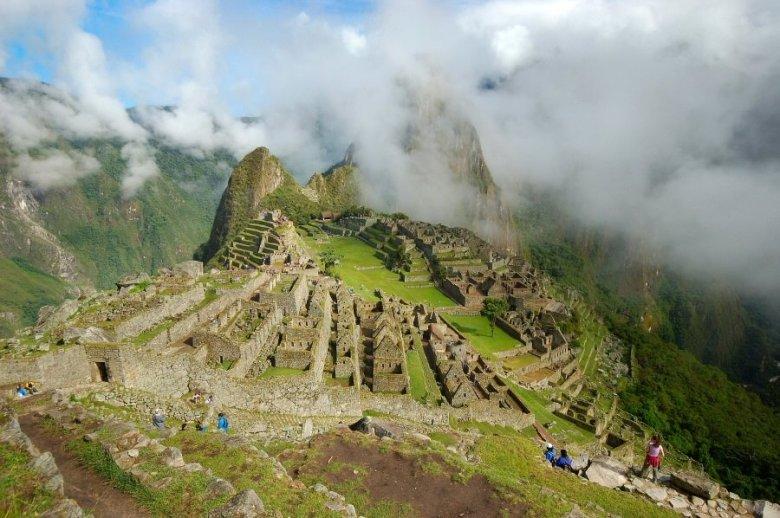 Machu Picchu Peru - ExplorationVacation 2005-12-31_08_37_081 from the watch house