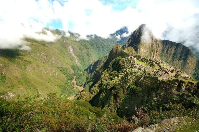 Machu Picchu Peru - ExplorationVacation 2005-12-31_08_56_54