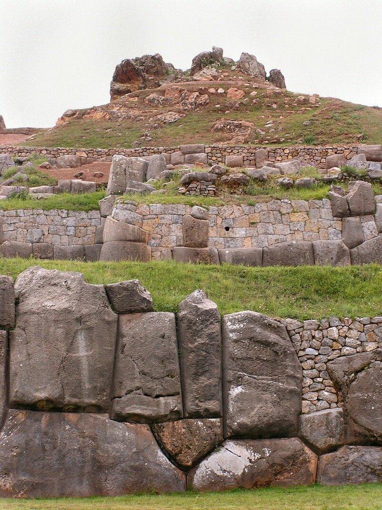 Sacsayhuaman Cuzco Peru - ExplorationVacation P1010013