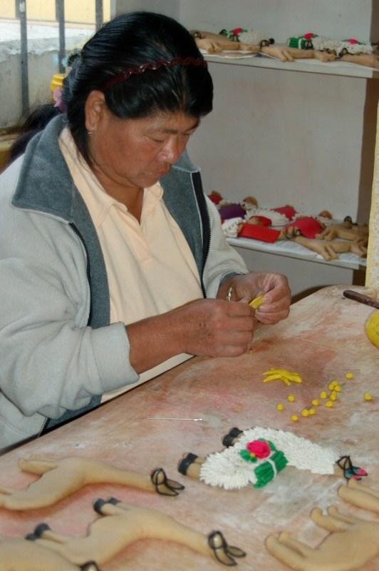 dough art Ecuador -ExplorationVacation 2006-01-03_08_50_12