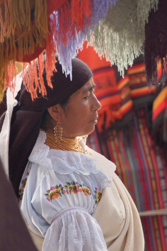 market in Ecuador -ExplorationVacation 2006-01-03_12_11_39