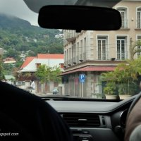 Welcome to Mahé – Lost and Low on Petrol