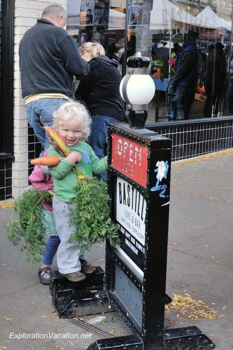 17 20131013-DSC_7969 Ballard farmers market in Seattle