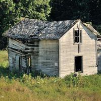 ruined farm in North Dakota