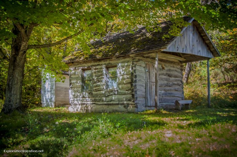 Pioneer cabin in Terrace, Minnesota - ExplorationVacation.net