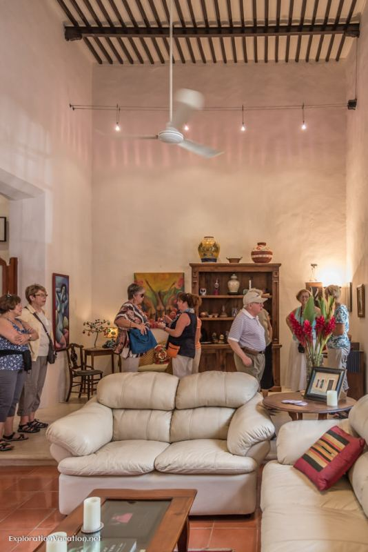 entry - house tour in Merida
